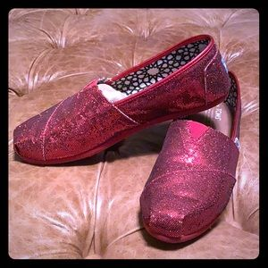 Toms red glitter canvas wrap shoes size 9.5